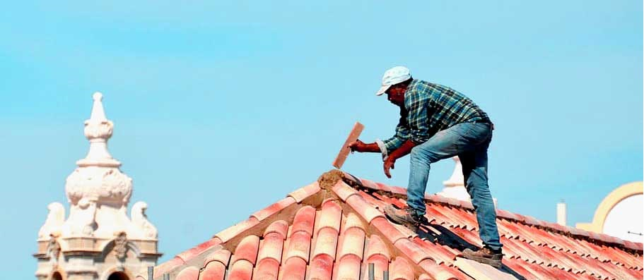 Best-Shoes-for-Roofing-roof