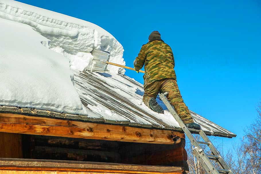 Best-Shoes-for-Roofing-roof-ice