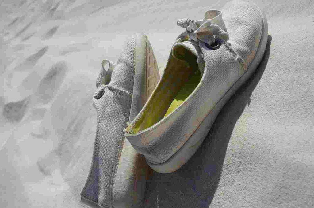woven canvas-shoe